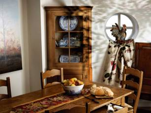 Pippy-oak-corner-cabinet