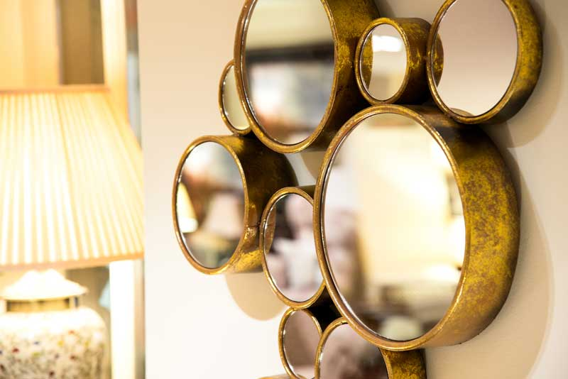 multi-circle mirrors, gold effect