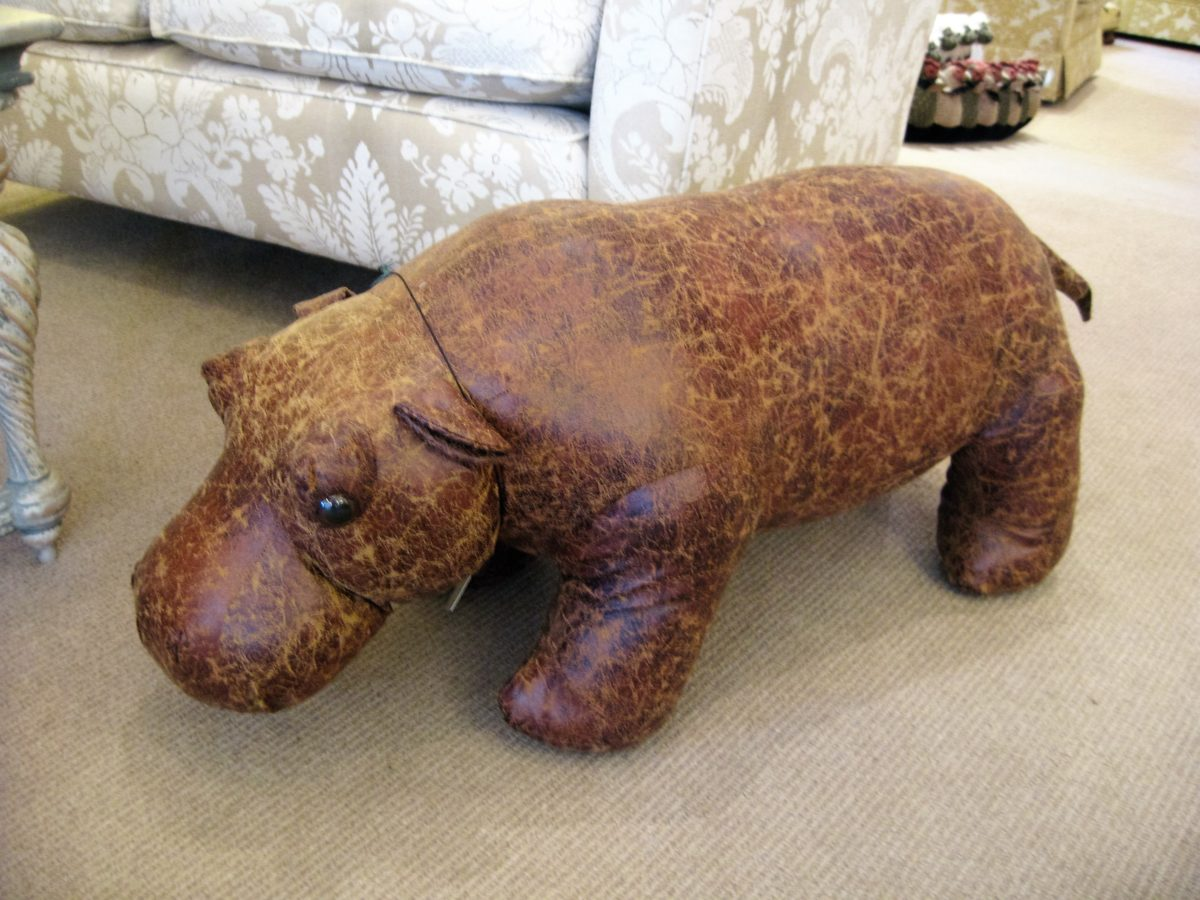 Hippo seat, faux leather,