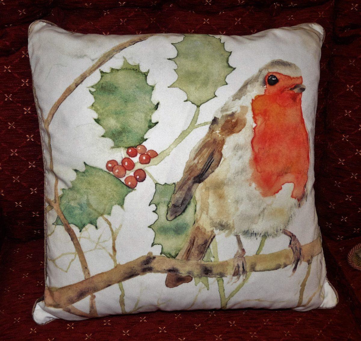 Robin, holly, cushion.